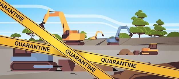 Epidemie mers-cov quarantaine voorzichtigheid op gele waarschuwingstape bovengrondse steengroeve met bulldozers coronavirusinfectie wuhan 2019-ncov pandemie gezondheidsrisicoconcept horizontaal
