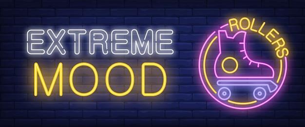 Extreme mood neonreclame. rollers bar letters met roller-skate