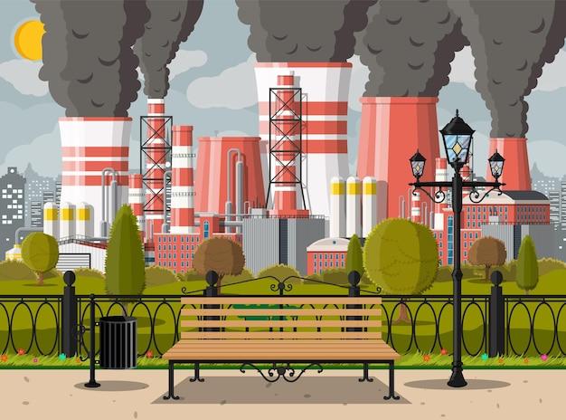Fabrieksgebouw en stadspark. industriële fabriek, elektriciteitscentrale. leidingen, gebouwen, magazijn, opslagtank. cityscape stedelijke skyline met wolken, bomen en zon. vectorillustratie in vlakke stijl