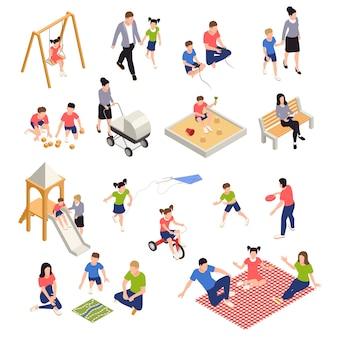 Familie die isometrische pictogrammen speelt die met geïsoleerde ouders en kinderen worden geplaatst