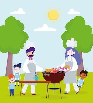 Familie koken van gegrilde gerechten buitenshuis