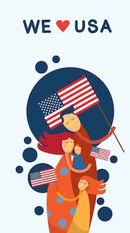 Familie omarmen independence day van de verenigde staten van amerika