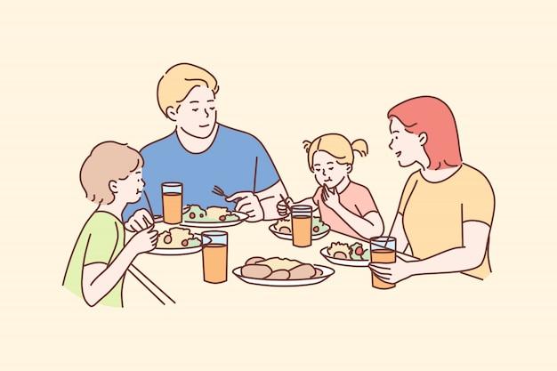 Familie, recreatie, vrije tijd, diner, vaderschap, moederschap, concept jeugd