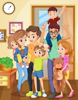Familie staat in de woonkamer
