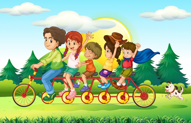 Familieleden die fiets in het park berijden