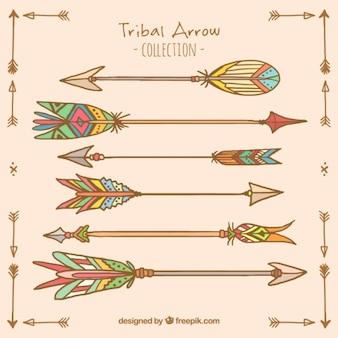 Fantastische pijlen met decoratieve veren