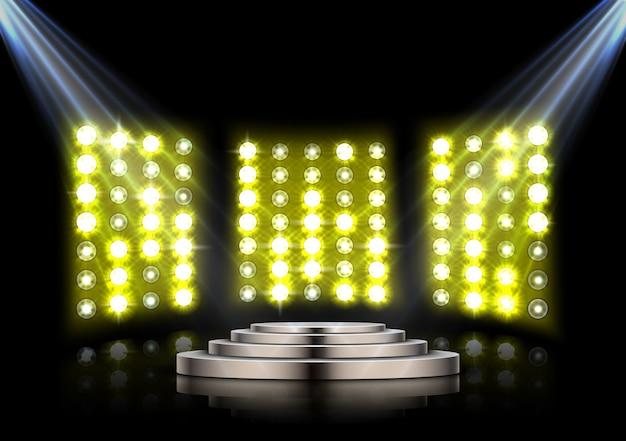 Fasepodium met schijnwerpers op geel stadiumlicht
