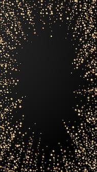 Feestelijke leuke confetti. viering sterren. gouden confetti op zwarte achtergrond. feestelijke overlay-sjabloon ophalen. verticale vectorachtergrond.