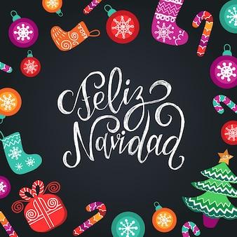 Feliz navidad vertaalde merry christmas-letters met feestelijke nieuwjaarselementen. happy holidays typografie voor wenskaartsjabloon of poster concept.