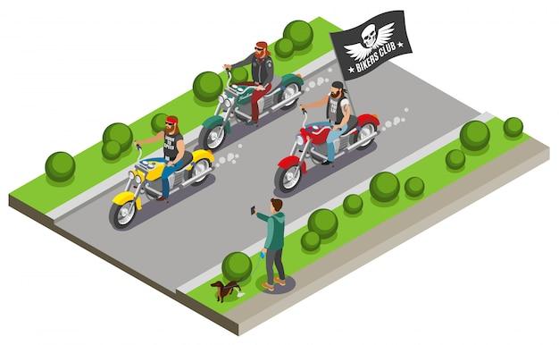 Fietsers met uitzicht op straat snelweg en drie motorfietsen met streaming vlag van bende