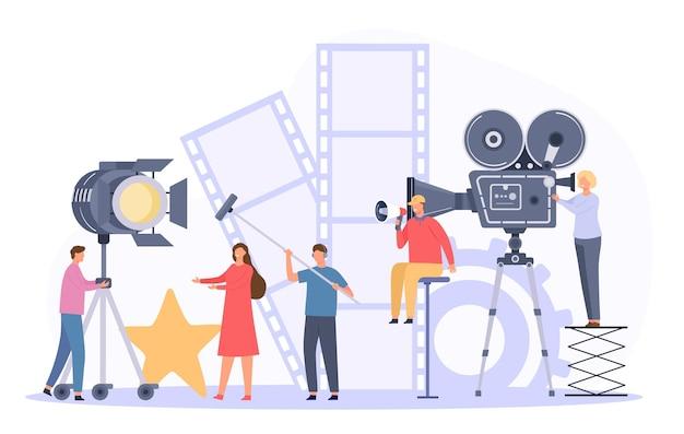 Filmproductieteam dat filmacteur op camera schiet. platte bioscoopregisseur en crew nemen videoscène op. film maken industrie vector concept. professioneel personeel met apparatuur, backstage