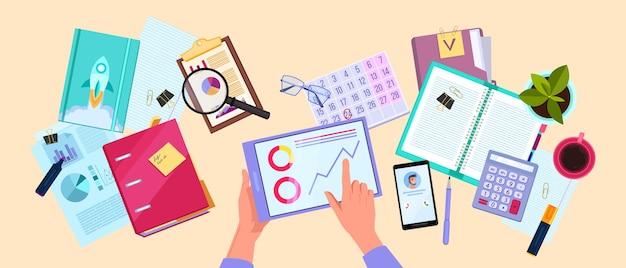 Financiële audit of belastingrapportage met handen