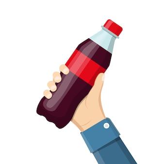 Fles frisdrank in de hand houden. cola in plastic fles.