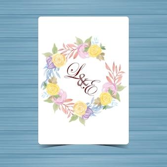 Floral wedding badge met mooie gele en paarse rozen