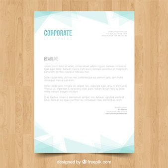 Folder met lichtblauwe polygonale vormen