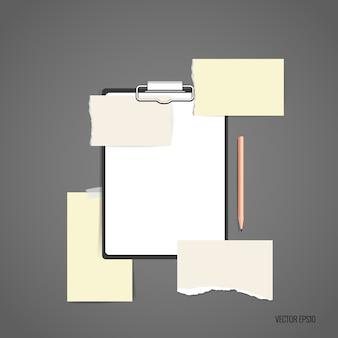 Folder met wit papier en notities