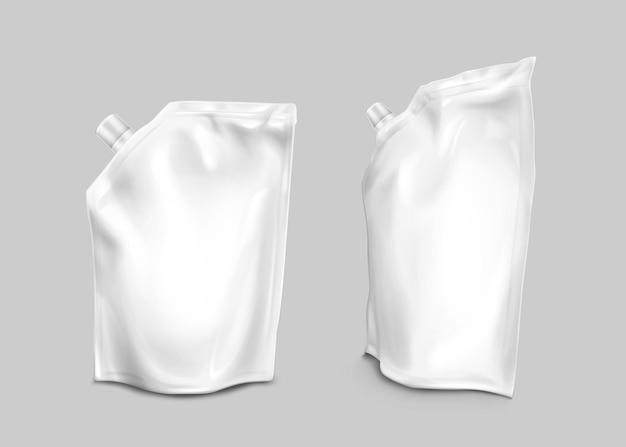 Foliezak met deksel op hoek, doypack voor vloeibaar voedsel op grijs