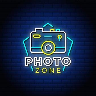 Foto zone neonreclame stijl tekst.