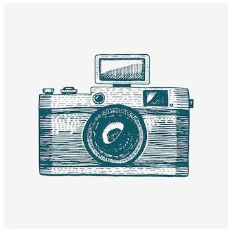 Fotocamera vintage, gegraveerde hand getrokken in schets of houtsnede stijl, oud uitziende retro lens, realistische afbeelding