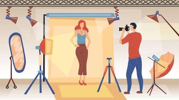 Fotograaf met camera maakt foto's van model voor reclame in glamourtijdschriften. studio fotoshoot met lichte en professionele apparatuur. vlakke stijl