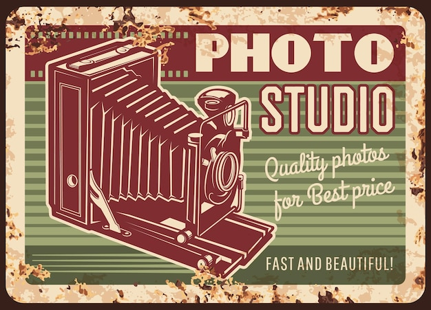 Fotostudio metalen plaat roestig met retro camera