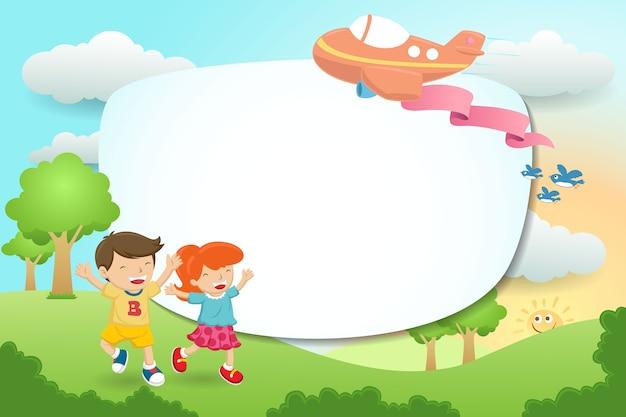 Frame sjabloon cartoon met jonge jongen en meisje terwijl het vliegtuig boven hen vliegt