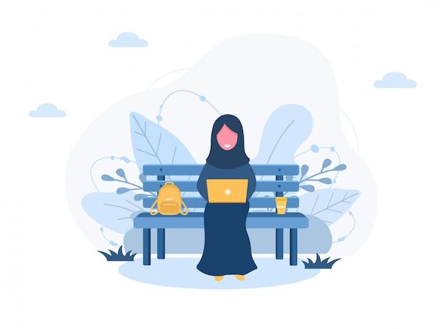 Freelance dames. arabisch meisje in hijab met laptop zittend op bankje in park. concept illustratie voor buitenshuis werken, studeren, communicatie, gezonde levensstijl. illustratie in vlakke stijl.
