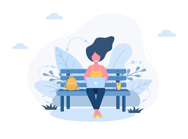 Freelance dames. meisje met laptop zittend op een bankje in het park. concept illustratie voor buitenshuis werken, studeren, communicatie, gezonde levensstijl. illustratie in vlakke stijl.