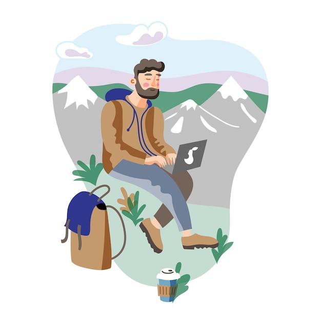 Freelancer in de bergen die blogpost voorbereiden