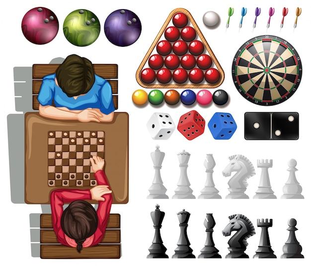 Gam set met mensen die schaken spelen
