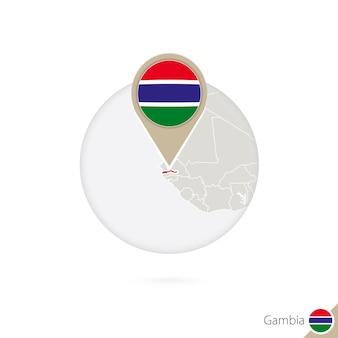 Gambia-kaart en vlag in cirkel. kaart van gambia, gambia vlag pin. kaart van gambia in de stijl van de wereld. vectorillustratie.