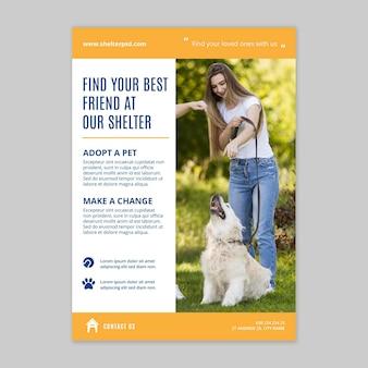 Gebruik een sjabloon voor een verticale flyer voor huisdieren