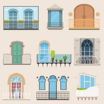 Gedetailleerde balkonset in verschillende stijlen. klassieke, moderne en decoratieve gesmede balkons.