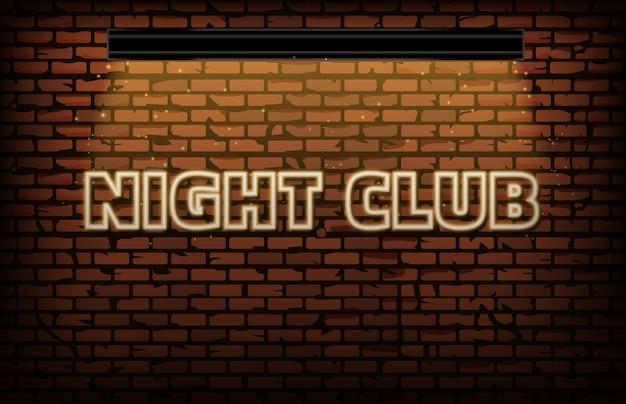 Geel nachtclubneonteken met bakstenen muur