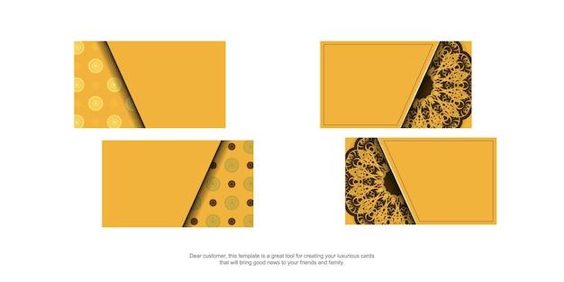 Geel visitekaartje met griekse bruine ornamenten voor uw bedrijf.