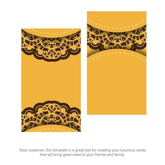 Geel visitekaartje met vintage bruin ornament voor uw persoonlijkheid.