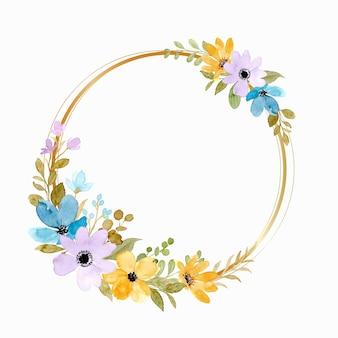 Geelpaarse bloemenkrans met gouden cirkel