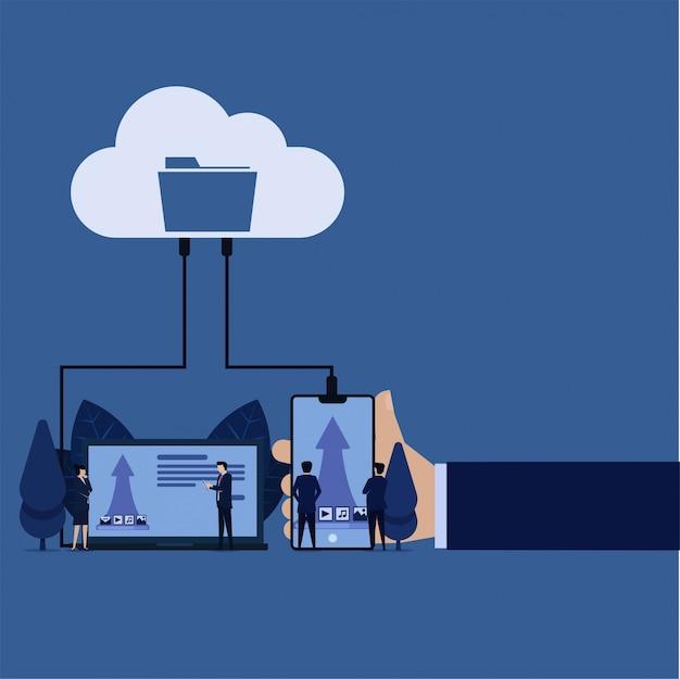 Gegevensopslag op cloud-uploadbestanden afbeeldingen muziekvideo's berichten van laptoptelefoon.