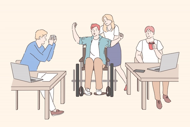 Gehandicapte die op kantoor werkt. jong meisje met man op rolstoel, mannelijke collega's aan tafel zitten, werken met laptops en koffie drinken op de werkplek. eenvoudig plat