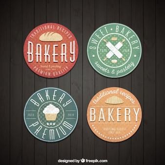 Gekleurde leuke bakkerij labels in vintage stijl