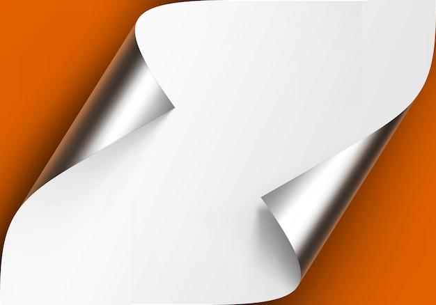 Gekrulde metalen zilveren hoeken van wit papier met schaduw