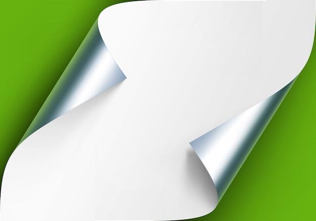 Gekrulde metalen zilveren hoeken van wit papier