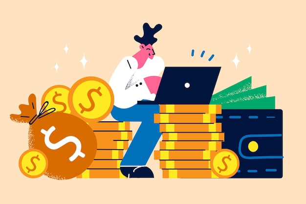 Geld verdienen en werken in internetconcept. jonge lachende man freelancer werknemer stripfiguur zittend met laptop op stapel gouden munten geld verdienen online vectorillustratie