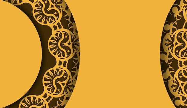 Gele achtergrond met griekse bruine ornamenten en logovlek