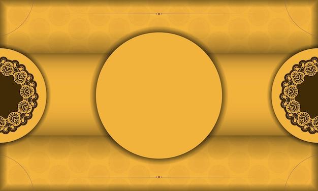 Gele achtergrond met griekse bruine ornamenten voor logo-ontwerp