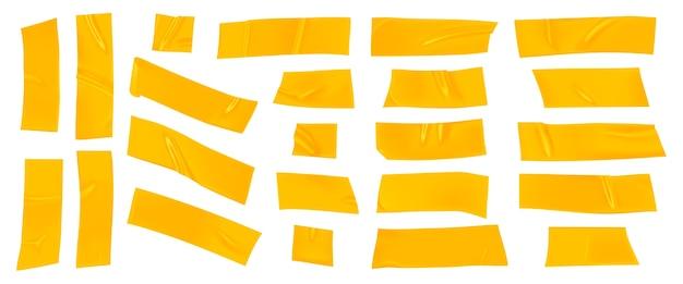 Gele ducttape set. realistische gele plakbandstukken voor geïsoleerde bevestiging