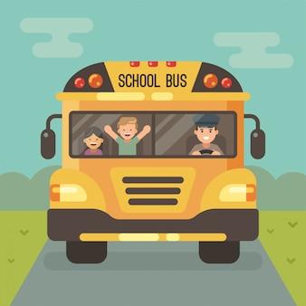 Gele schoolbus op de weg, vooraanzicht, met een bestuurder en twee kinderen. een jongen en een meisje.
