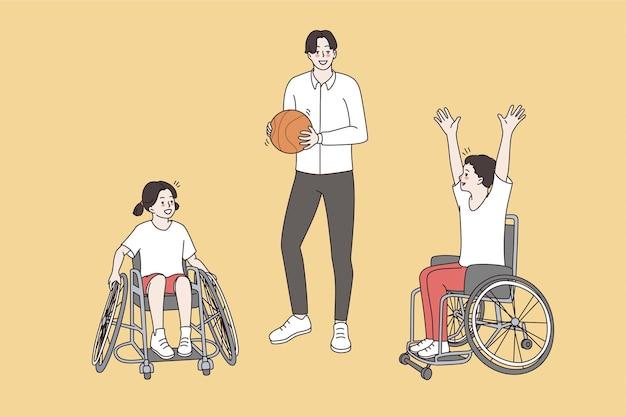 Gelukkig actieve levensstijl van gehandicapte kinderen concept. jonge lachende coach man staande met bal in de buurt van gehandicapte kinderen op rolstoelen zitten wachten op spel vectorillustratie