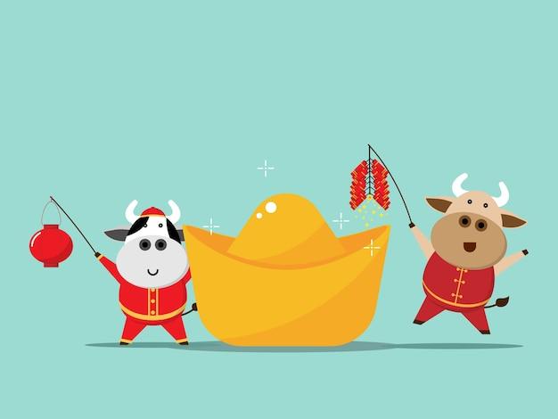 Gelukkig chinees nieuwjaar, jaar van de holdingslantaarn van de os leuke koe en vuurcracker met porseleingoud