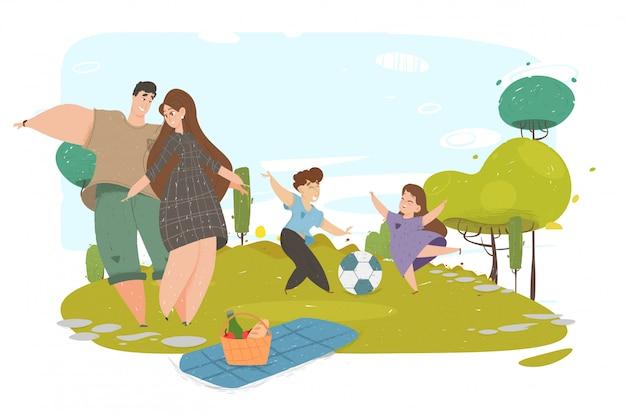 Gelukkig gezin met picknick maaltijd buitenshuis in park.